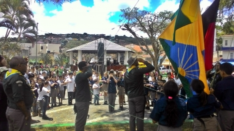 Escoteiros realizam atividades na Praça no Dia das Crianças, em Bananeiras