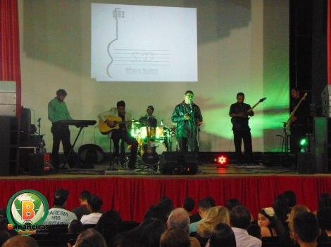 Sérgio Danilo faz show gospel 'Eu Canto Catedral' em Bananeiras