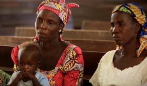 Cristãs da África dentro de igreja (Foto: Reprodução/YouTube)