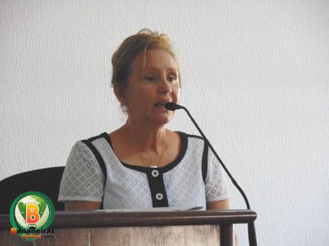 Promotora esclarece dúvidas sobre restrições de fogueiras e estacionamento em Bananeiras; áudio
