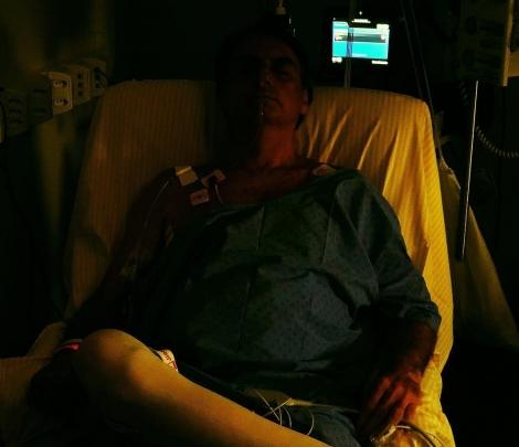 Bolsonaro publica em rede social 1º foto após cirurgia em hospital de SP