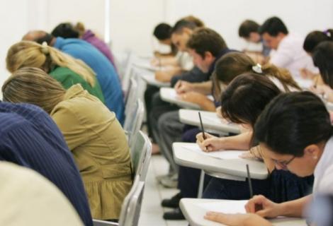 São 339 vagas de emprego em cargos de todos os níveis de escolaridade.