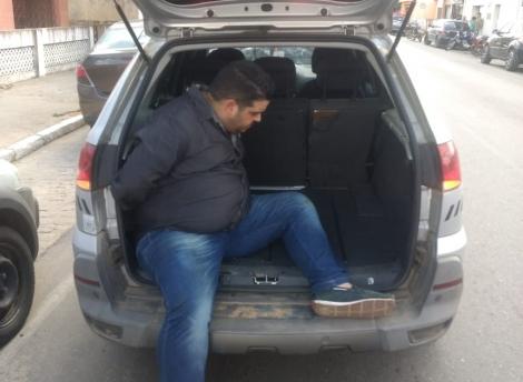 O acusado tentou fugir a pé após o acidente, mas foi preso pela polícia (Foto: Polícia Civil/Divulgação)