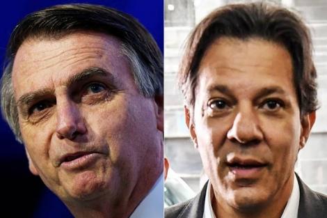 Candidato do PSL também é preferido entre evangélicos (66% contra 24%), e tem mais intenção de votos entre católicos (48% contra 42%). (Adriano Machado/Reuters - Nelson Almeida/AFP)