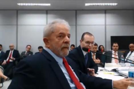Lula: Palocci deixava apenas os objetos com Lula no terminal ou no avião e, após alguns minutos, voltava ao carro, afirmou um dos motoristas (Reprodução/youtube)