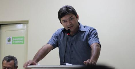 Câmara aprova pedido de reforma de escola e reconstrução de ginásio, em Bananeiras