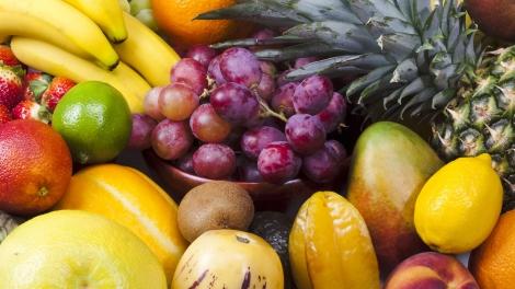 Além de contribuir para uma maior queima de calorias, uma dieta rica nestas frutas, associada a uma rotina de caminhada, faz com que o corpo (Foto: Yasmin Lourenço)