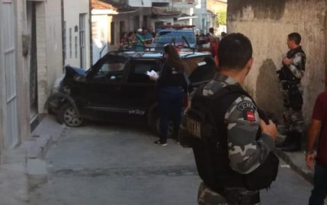 Homem morre atropelado por suspeito que fugia com carro roubado em Campina Grande