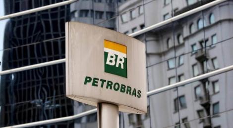 Petróleo: Os repasses são feitos basicamente de duas formas: por meio dos royalties e de participações especiais.