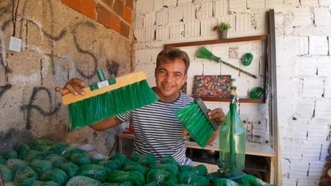 Gari supera alcoolismo com trabalho de reciclagem, na PB — Foto: Giorggio Abrantes/Arquivo pessoal