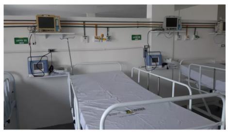 Leitos de hospitais de campanha minimizaram o déficit histórico registrado em dez anos — Foto: PMCG/Divulgação