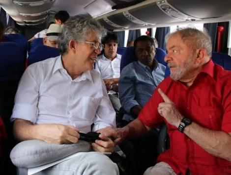 """""""Lula se portou muito mais como chefe de partido. O papel dele deveria ser de um líder"""", afirmou o ex-governador da Paraíba"""